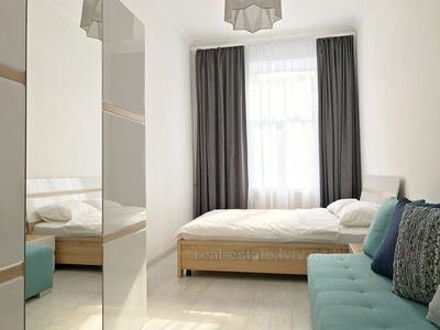 "мережа апартаментів ""RomanticApartments"",вул.Медова,5"